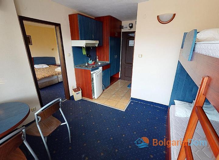Дешевая квартира в 150 м от пляжа в центре Солнечного Берега. Фото 3