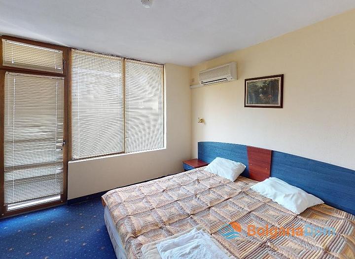 Дешевая квартира в 150 м от пляжа в центре Солнечного Берега. Фото 4