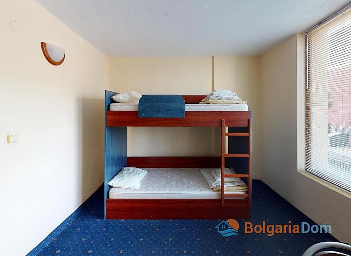 Дешевая квартира в 150 м от пляжа в центре Солнечного Берега. Фото 5