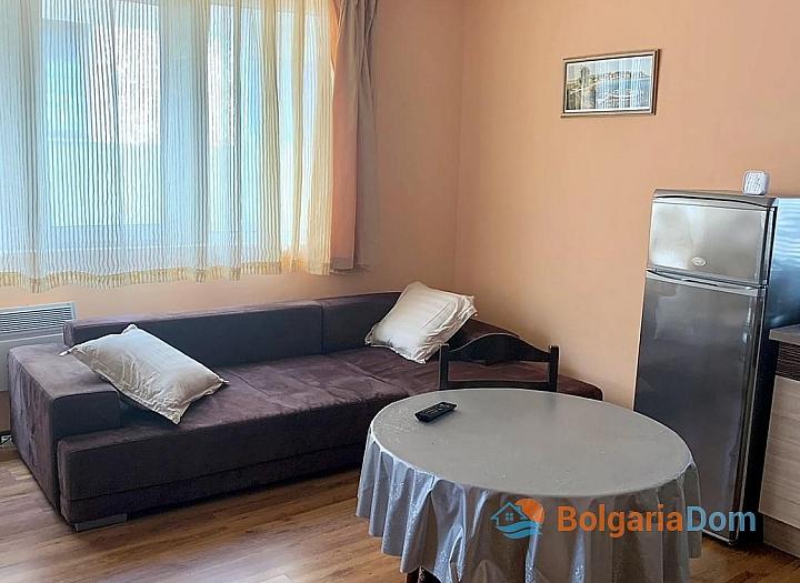 Двухкомнатная квартира без таксы поддержки в Несебре. Фото 11