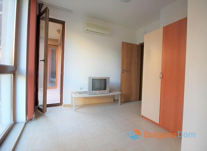 Недорогая трехкомнатная квартира в Солнечном Береге. Фото 10