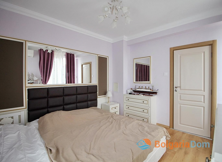 Роскошная двухуровневая квартира в Messembria Palace. Фото 11
