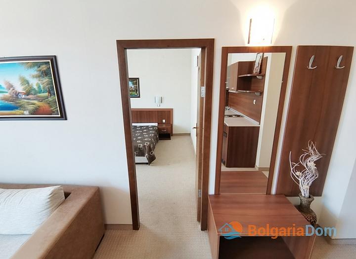 Апартамент с двумя спальнями на второй линии моря. Фото 12