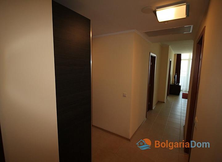 Апартамент с двумя спальнями на первой линии моря. Фото 18