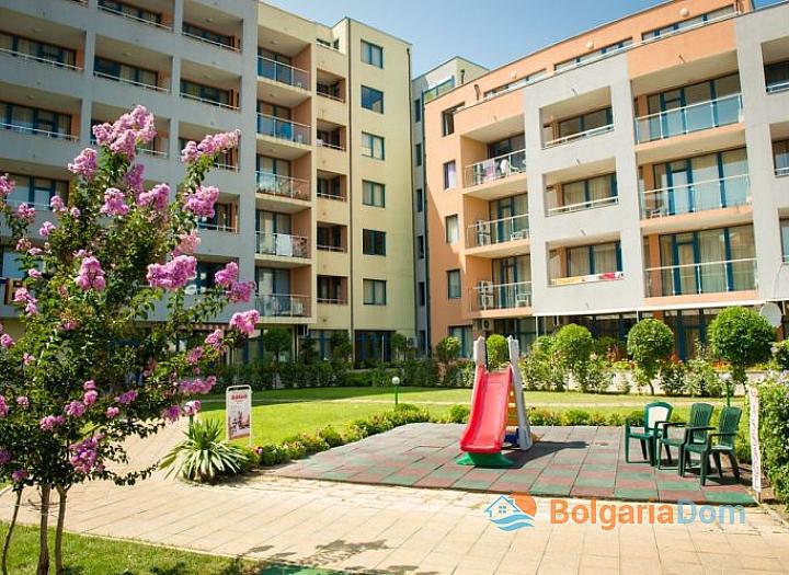 Двухкомнатная квартира в отличном комплексе в центре Солнечного Берега. Фото 13