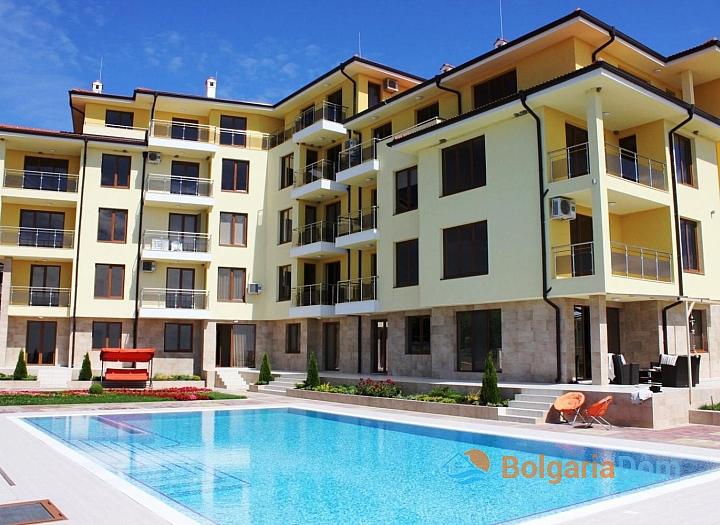 Отличная двухкомнатная квартира в Бяле по выгодной цене!. Фото 1