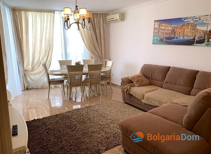 Элитный трехкомнатный апартамент в комплексе Адмирал. Фото 1