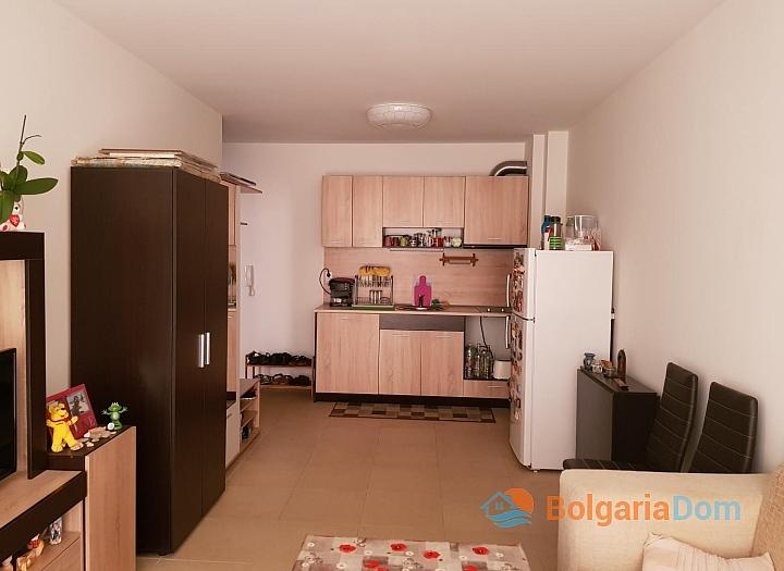 Двухкомнатная квартира в городе Поморие - для ПМЖ. Фото 1