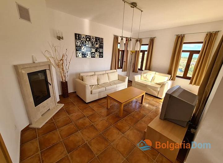 Апартамент с тремя спальнями в Несебр Гарденс, Кошарица. Фото 1