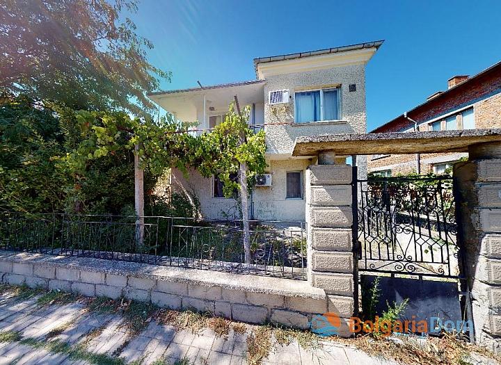 Продажа недорого двухэтажного дома в селе Равнец. Фото 1