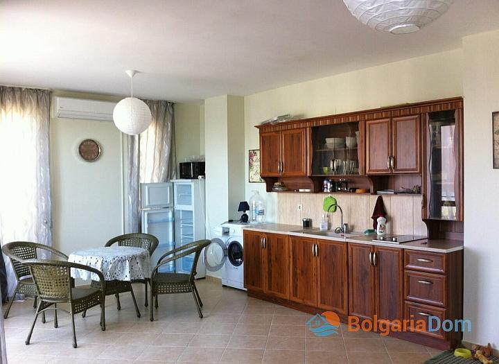 Просторная двухкомнатная квартира в Равде. Фото 2
