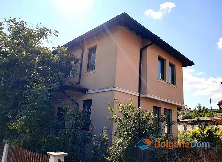 Просторная трехкомнатная квартира в центре Солнечного берега. Фото 3