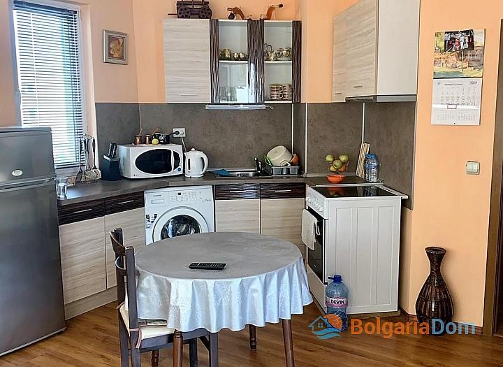 Двухкомнатная квартира без таксы поддержки в Несебре. Фото 2