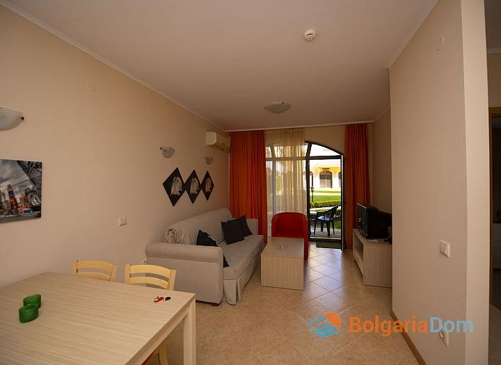 Квартира с одной спальней в комплексе Роял Сан, Солнечный Берег. Фото 3