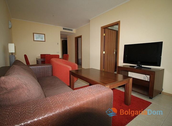 Апартамент с двумя спальнями на первой линии моря. Фото 2