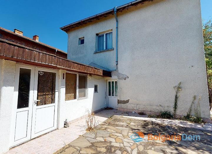 Продажа недорого двухэтажного дома в селе Равнец. Фото 2
