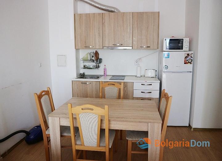 Продажа двухкомнатной квартиры у моря в Солнечном Береге. Фото 3