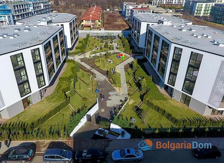 Новая трехкомнатная квартира в элитном доме в Сарафово. Фото 3