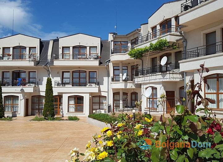 Отличная трехкомнатная квартира в Nessebar View. Фото 17
