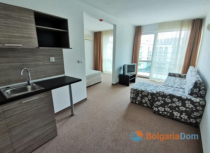 Срочная продажа дешевой двухкомнатной квартиры в Сарафово. Фото 3