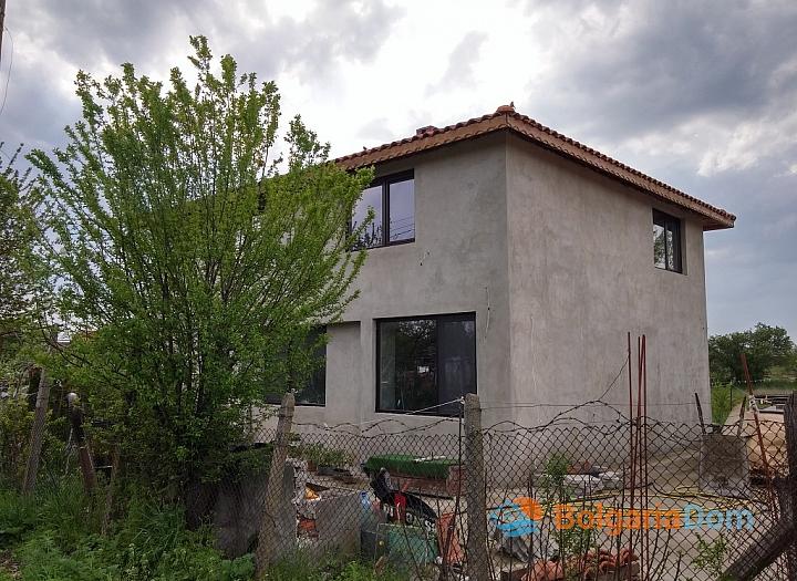 Новый двухэтажный дом в пригороде Бургаса. Фото 4