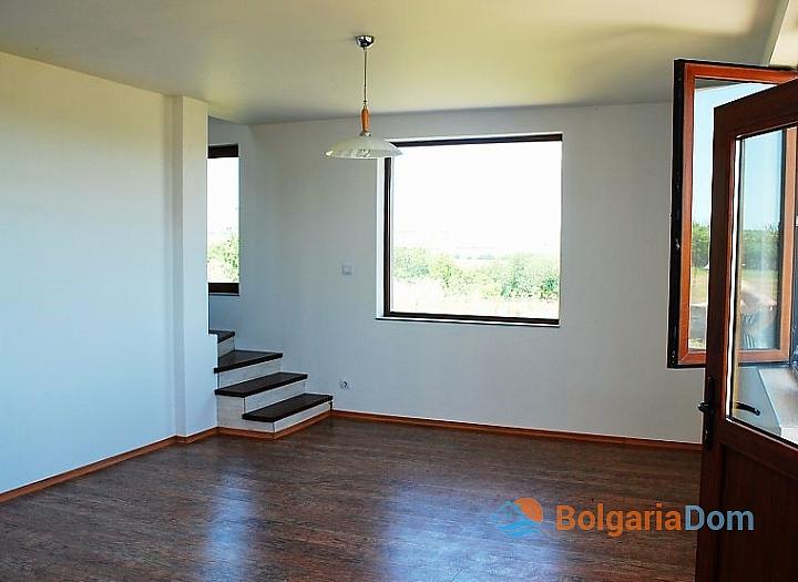 Продажа нового дома в 10 км от моря около Бургаса. Фото 4