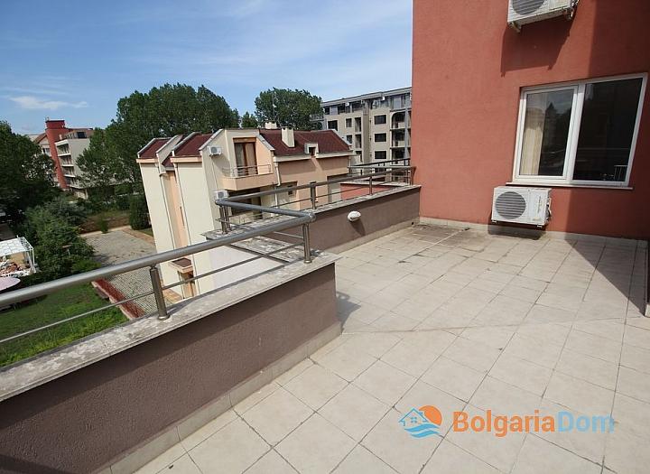 Трехкомнатная квартира с большой террасой в Солнечном Береге. Фото 5