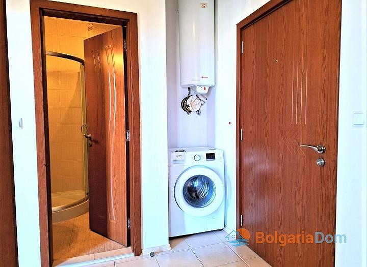 Просторная трехкомнатная квартира в центре Солнечного берега. Фото 6