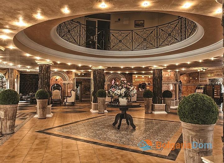Просторная трехкомнатная квартира в центре Солнечного берега. Фото 7