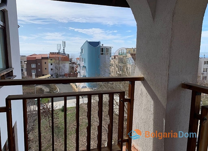 Современный трехкомнатный апартамент с видом на море. Фото 8