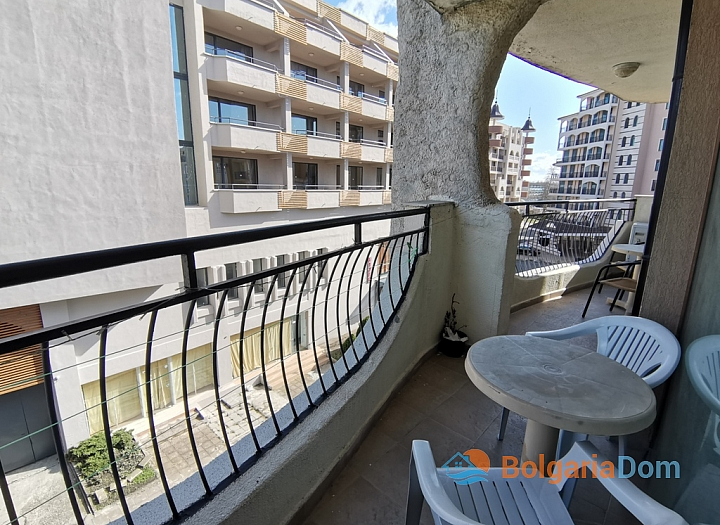Апартамент с двумя спальнями на второй линии моря. Фото 6