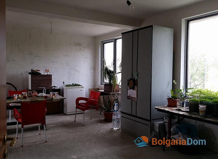 Новый двухэтажный дом в пригороде Бургаса. Фото 8