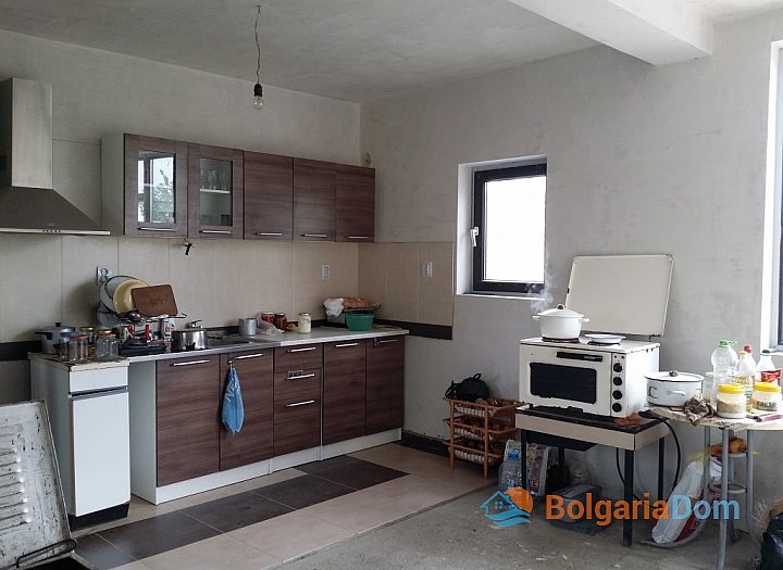 Новый двухэтажный дом в пригороде Бургаса. Фото 9