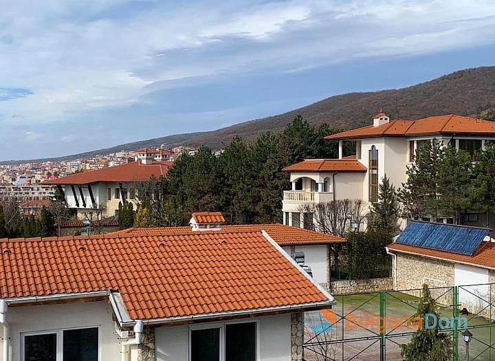 Современный трехкомнатный апартамент с видом на море. Фото 10
