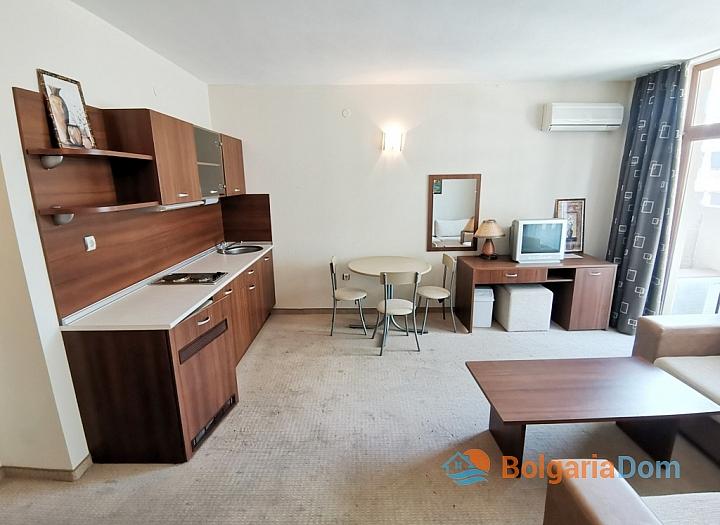 Апартамент с двумя спальнями на второй линии моря. Фото 8