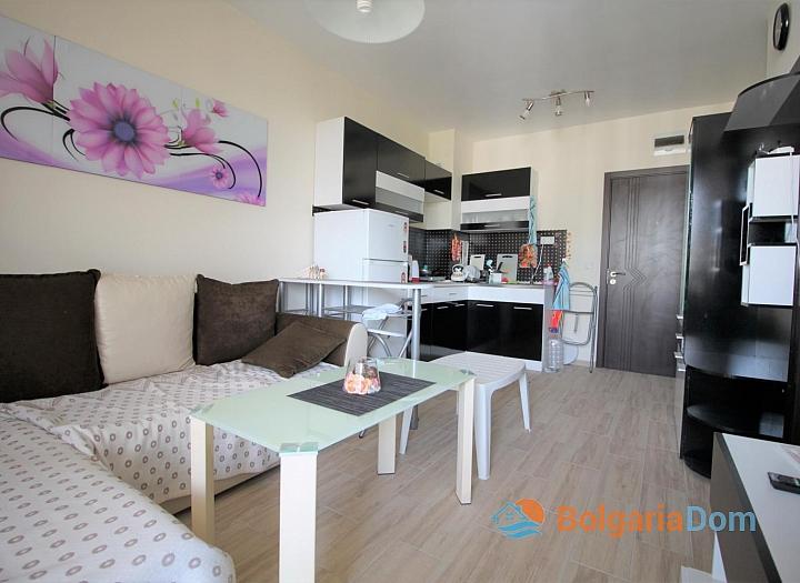 Современный компактный апартамент в Каскадас 13. Фото 1
