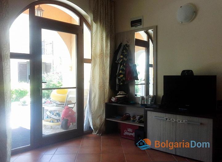 Двухкомнатная квартира с двориком в Вилла Романа, Элените. Фото 14