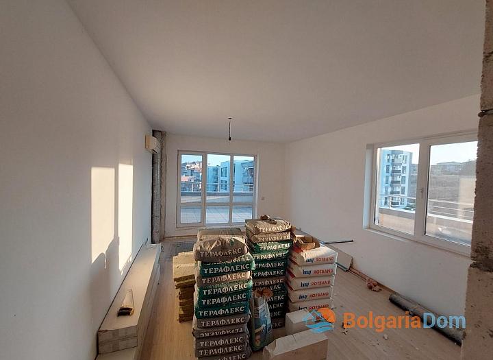 Огромный апартамент на весь этаж с панорамным видом на море и Бургас!. Фото 14
