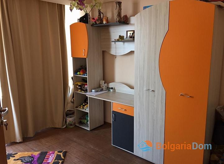Просторный трёхкомнатный апартамент в Поморие . Фото 6
