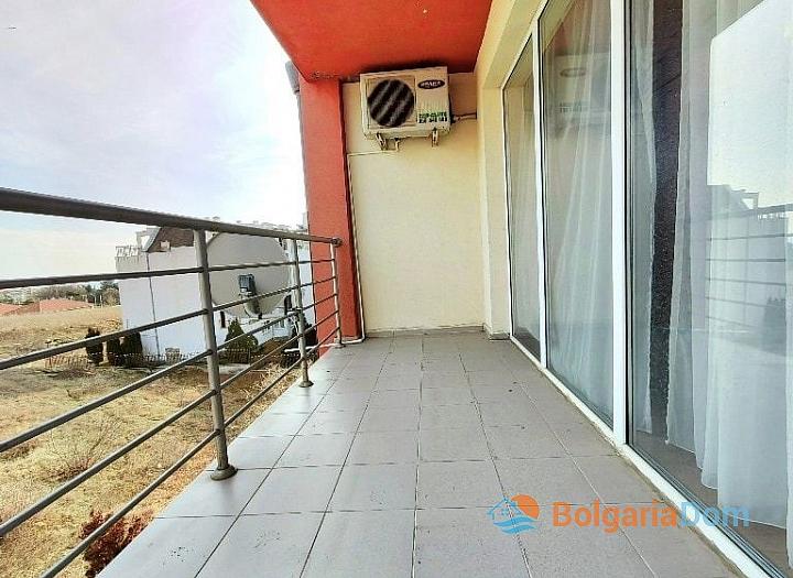 Просторная трехкомнатная квартира в центре Солнечного берега. Фото 11