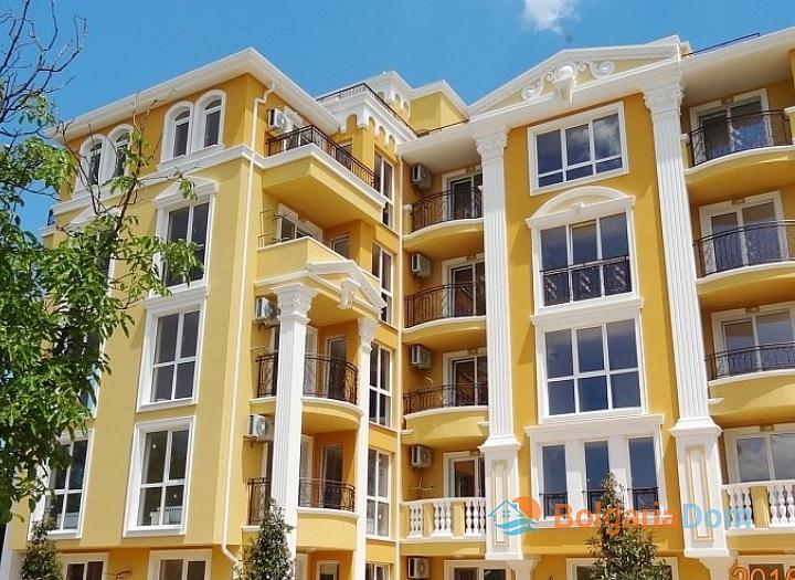 Трехкомнатная квартира в элитном доме в городе Несебр. Фото 1