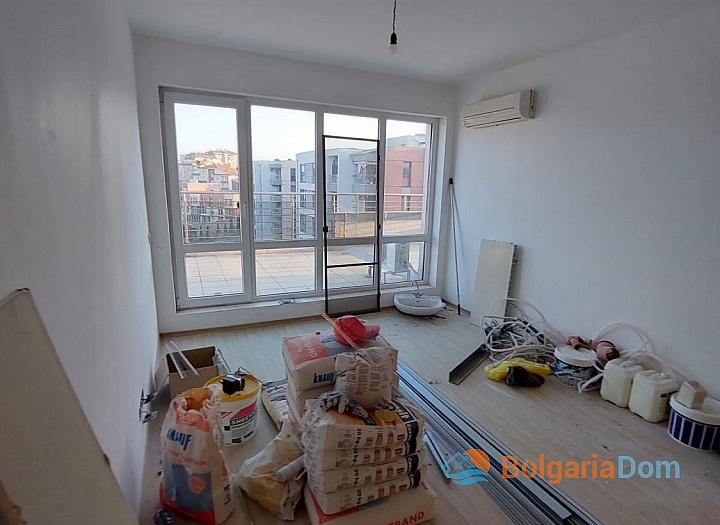 Огромный апартамент на весь этаж с панорамным видом на море и Бургас!. Фото 15