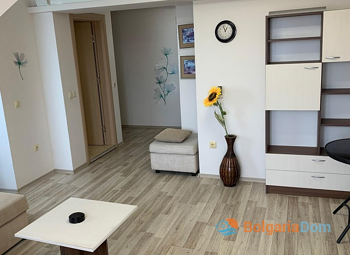 Двухкомнатная меблированная квартира с джакузи на Солнечном берегу. Фото 2