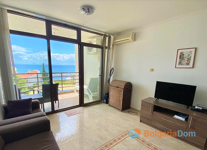 Двухкомнатная квартира с видом на море в красивом комплексе на первой линии. Фото 4