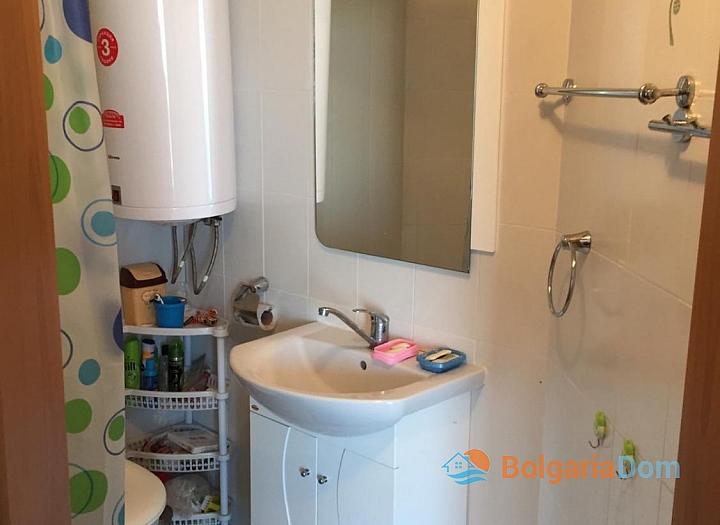 Просторный трёхкомнатный апартамент в Поморие . Фото 12