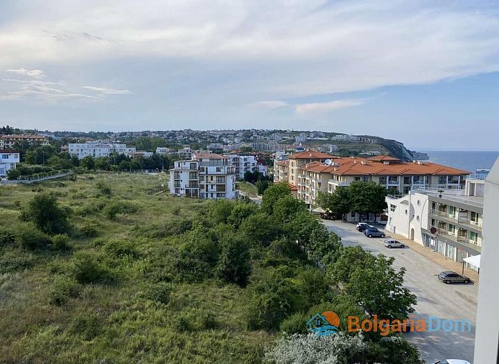Просторный двухкомнатный апартамент на первой линии моря. Фото 8