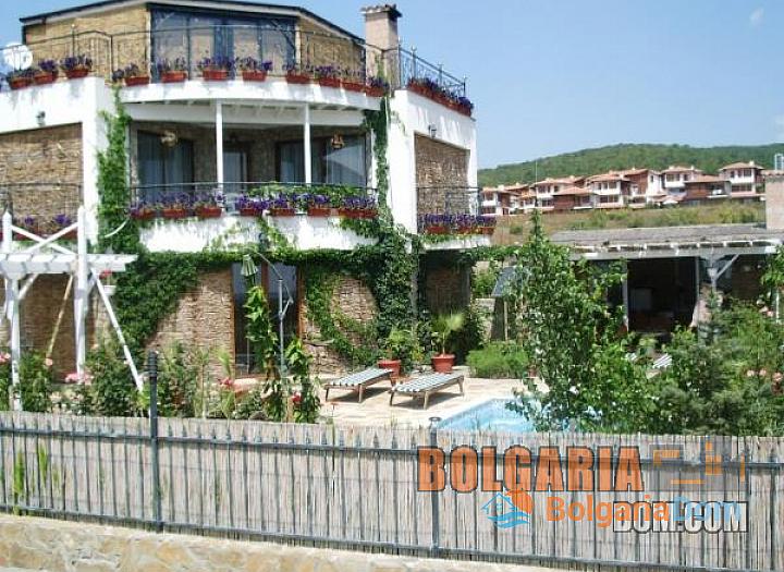 Дом на продажу в 4 км от моря, в районе с. Кошарица. Фото 1