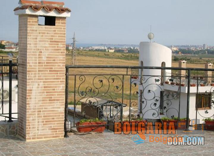 Дом на продажу в 4 км от моря, в районе с. Кошарица. Фото 8
