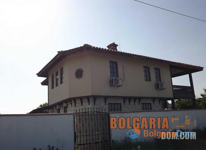 Двухэтажный дом для круглогодичного проживания около Варны. Фото 2