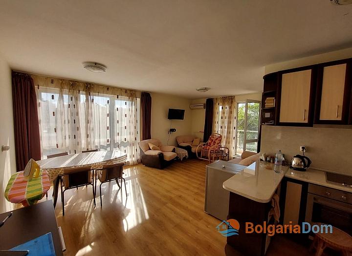 Прекрасный апартамент с двумя спальнями на Солнечном берегу. Фото 7